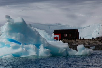 RRS David Attenborough & Building in the Antarctic